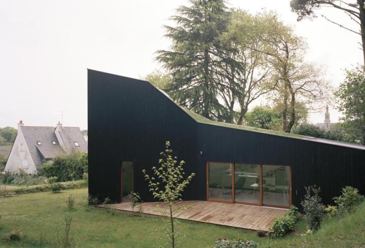 Ters Yüz Edilmiş/Sıradan Bir Ev - Arkitera